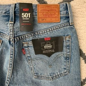 Levi's 501 skinny— brand new with tags size 25